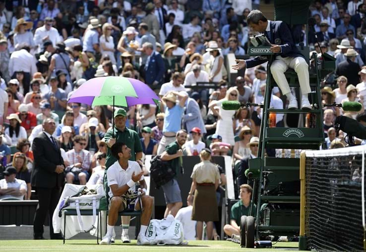 Djokovic discute árbitro português Carlos Ramos em Wimbledon