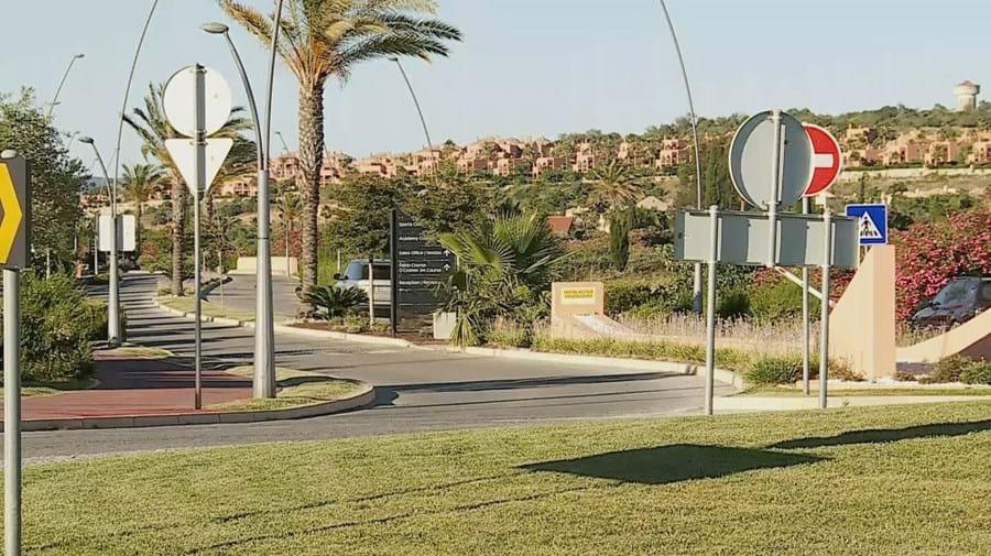 Menino britânico de cinco anos morre afogado em piscina no Algarve