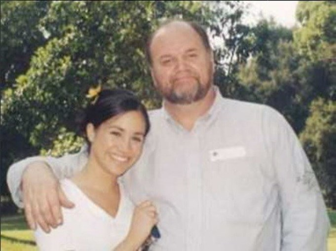 Meghan Markle com o pai, Thomas, numa foto de juventude