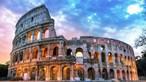 Turistas multados após tomarem banho em fonte de Roma