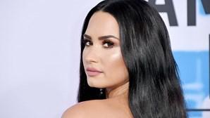 Demi Lovato anuncia que não se identifica com género masculino ou feminino