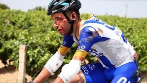 Quem é Rui Vinhas, o ciclista que caiu, desmaiou e ainda rolou 120 quilómetros