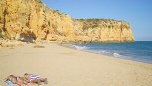 Conheça as melhores praias desertas do Algarve