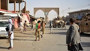 Sete mortos em ataque suicida junto à maior prisão do Afeganistão