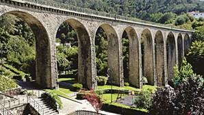 Monumentos imponentes e locais verdes para visitar em Vouzela