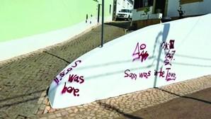 Vandalismo com graffitis em Vila do Bispo
