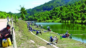 Defesa de pista de pesca une junta de freguesia e pescadores