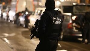 Maior operação policial de sempre na Bélgica: 48 detidos, 17 toneladas de cocaína apreendidas e 1,2 milhões de euros