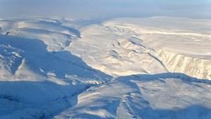 Choveu pela primeira vez no ponto mais alto do manto de gelo da Gronelândia