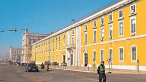Finanças arrecadam mais de 10 milhões de euros com dois leilões de imóveis