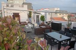 Esplanada Graça Rooftop Bar, no Porto
