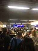 Pessoa não identificada escapa a barreiras de segurança e obriga à evacuação do aeroporto de Frankfurt