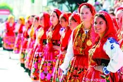 Romaria da Senhora da Agonia, em Viana do Castelo, atrai dezenas de milhares de pessoas à capital do Alto Minho