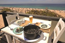 Na praia do pego, em Grândola, o sal é um local de referência e já recebeu até distinções internacionais