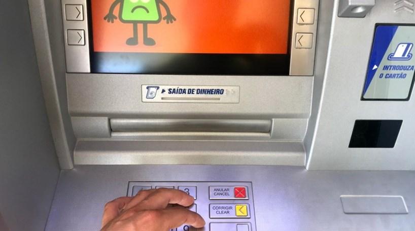 Resultado de imagem para multibanco sem dinheiro