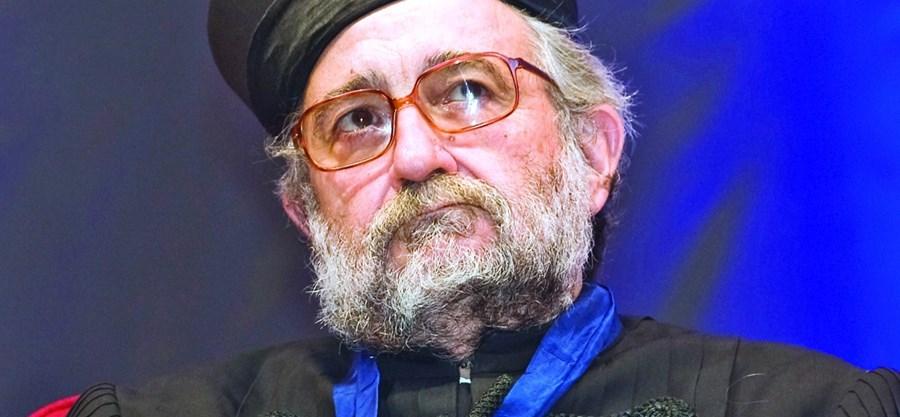 O professor catedrático José Barata Moura