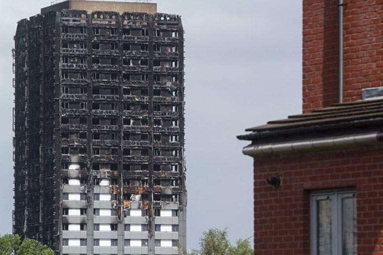 Incêndio na torre Grenfell ocorreu a 14 de junho de 2017, num prédio de 24 andares no North Kensington, em Londres, Inglaterra