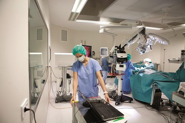 Cirurgia realizada a uma hérnia abdominal