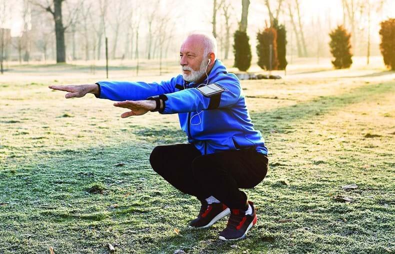 Ter uma postura adequada a realizar atividade física é essencial para prevenir este tipo de problemas