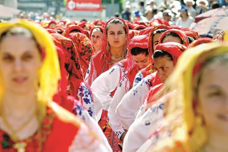 Rainha das romarias distingue-se pelo desfile das mordomas