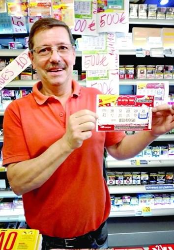 Carlos Pinto, proprietário do estabelecimento