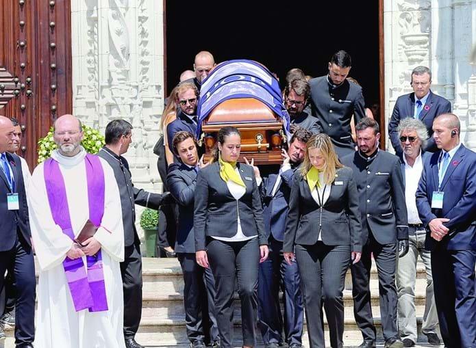 O adeus ao empresário teve lugar no Mosteiro dos Jerónimos