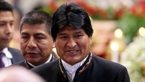"""Mandado de detenção contra ex-Presidente boliviano emitido """"nas próximas horas"""""""