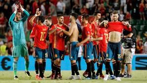 Vice-campeã mundial cai com estrondo contra a Espanha