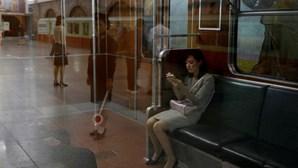 Imagens mostram vida em metro de Pyongyang