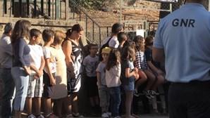 Pais trancam escola da Covilhã a cadeado em protesto