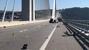 Jovem de 23 anos morre em despiste na A4 em Vila Real