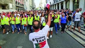 Ao sétimo dia protesto dos taxistas mantém-se em Lisboa, Porto e Faro