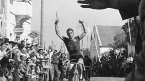 Morreu o ex-ciclista Alves Barbosa, vencedor da Volta a Portugal por três vezes