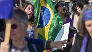 Oposição realiza protestos contra Bolsonaro em 300 cidades do Brasil e em Portugal