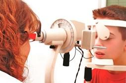 Terapia genética restaura a visão de crianças com cegueira infantil