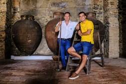 António e Ruben Honrrado, pai e filho, criaram o restaurante 'País das Uvas', na Vidigueira