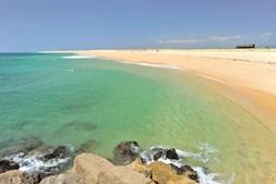 Extenso areal da ilha Deserta