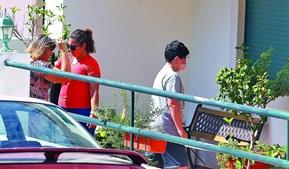 Filho de Luís Miguel e Rosa Grilo na moradia dos pais, no dia das buscas da PJ