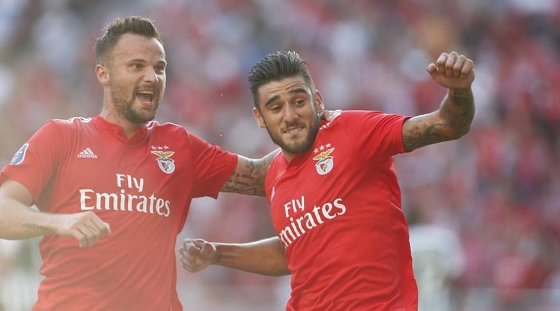 Benfica bate Rio Ave por 2-1 na estreia na Taça da Liga - Desporto ... 9cc98876df3f1