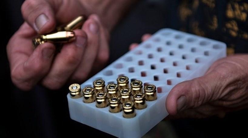 """Resultado de imagem para Viatura da Marinha deixa cair caixa de munições. Caso está a ser investigado com """"caráter de urgência"""""""