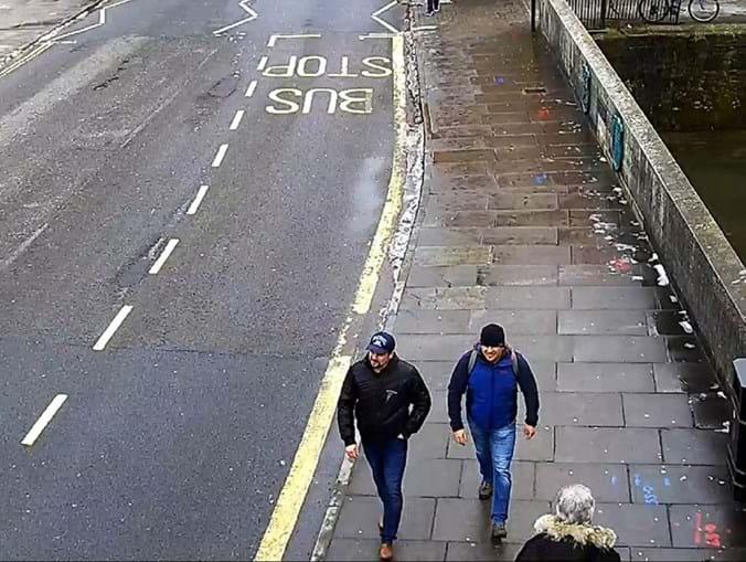 Polícia britânica divulga imagens de espiões russos suspeitos de envenenar Sergei Skripal