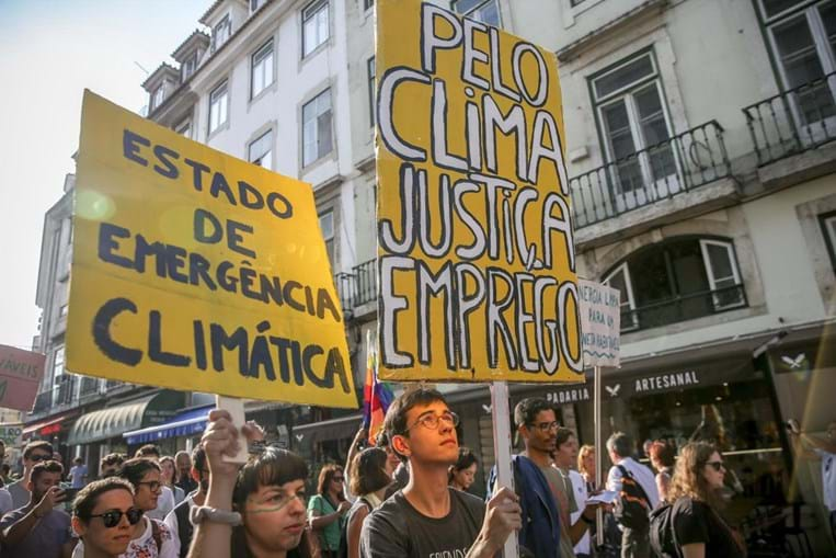 Marcha Mundial pelo Clima levou centenas às ruas de Lisboa