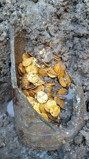 Tesouro encontrado em Como, Itália