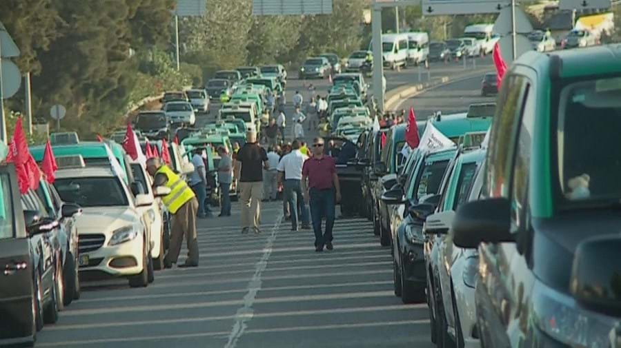 Protesto dos taxistas condiciona o trânsito em Lisboa, Porto e Faro