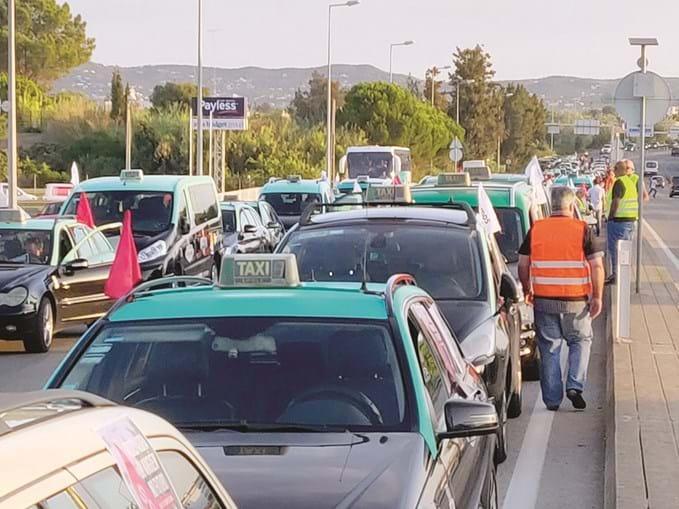 Greve dos taxistas em Faro