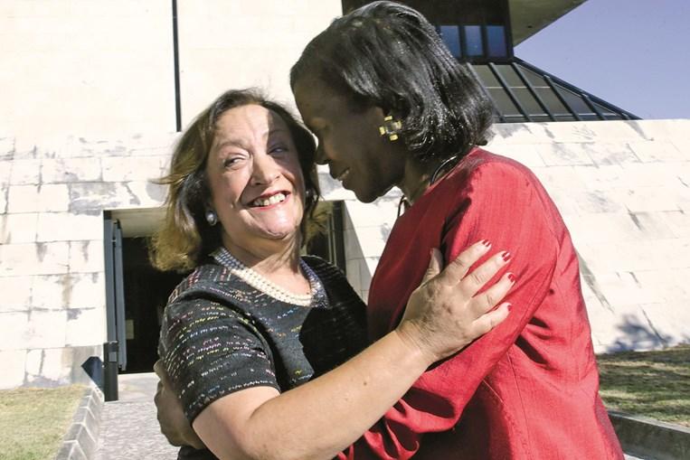 Joana Marques Vidal esteve ontem com a ministra da Justiça, no dia seguinte à nomeação da sucessora