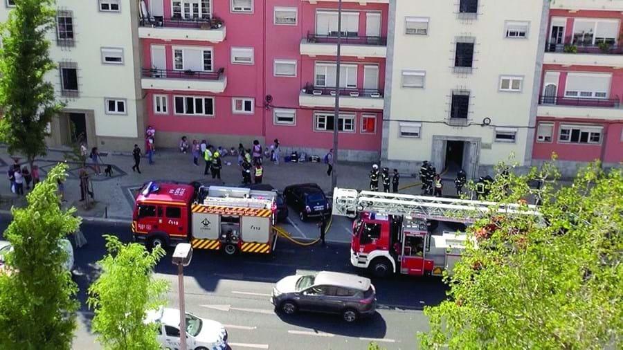 Incêndio em infantário localizado na Avenida de Roma, em Lisboa