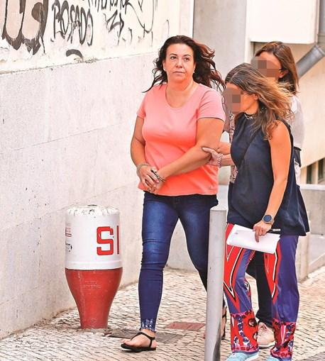 Rosa Grilo saiu algemada do Tribunal de Vila Franca, em preventiva