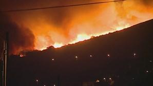 Serra de Sintra tomada pelas chamas