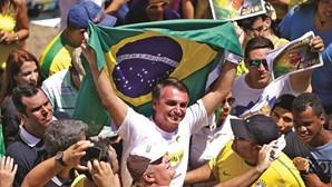 Bolsonaro, o candidato radical de direita é favorito à vitória nas presidenciais do Brasil